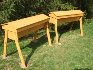Top Bar Beehives 300x225 Natural Beekeeping for the Home Gardener